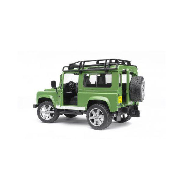 Внедорожник Land Rover Defender 02-590                    Bruder